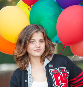 Senior Portrait with balloons Salem, Oregon